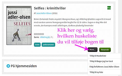 """Visning af bogen """"Selfies"""" på hjemmesiden med pink pil, der peger på """"Mere"""" knappen"""