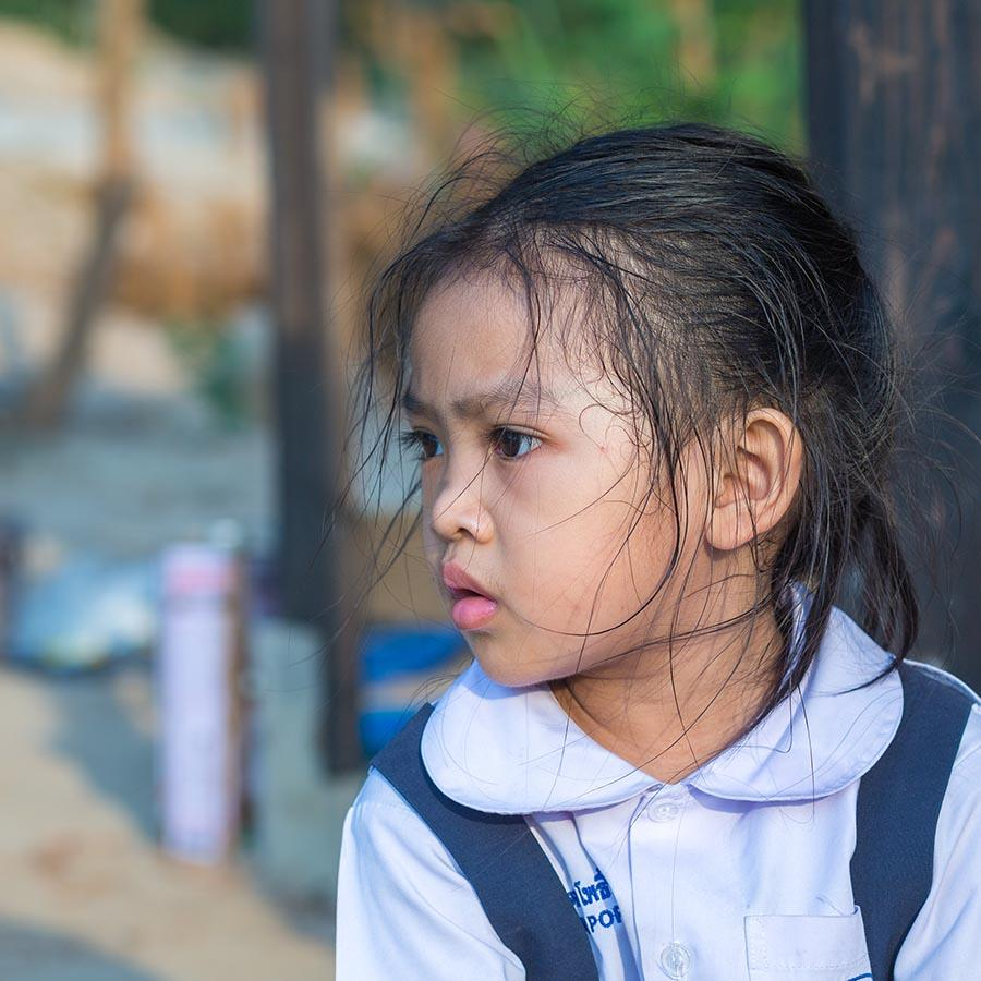Foto af skolepige i Thailand
