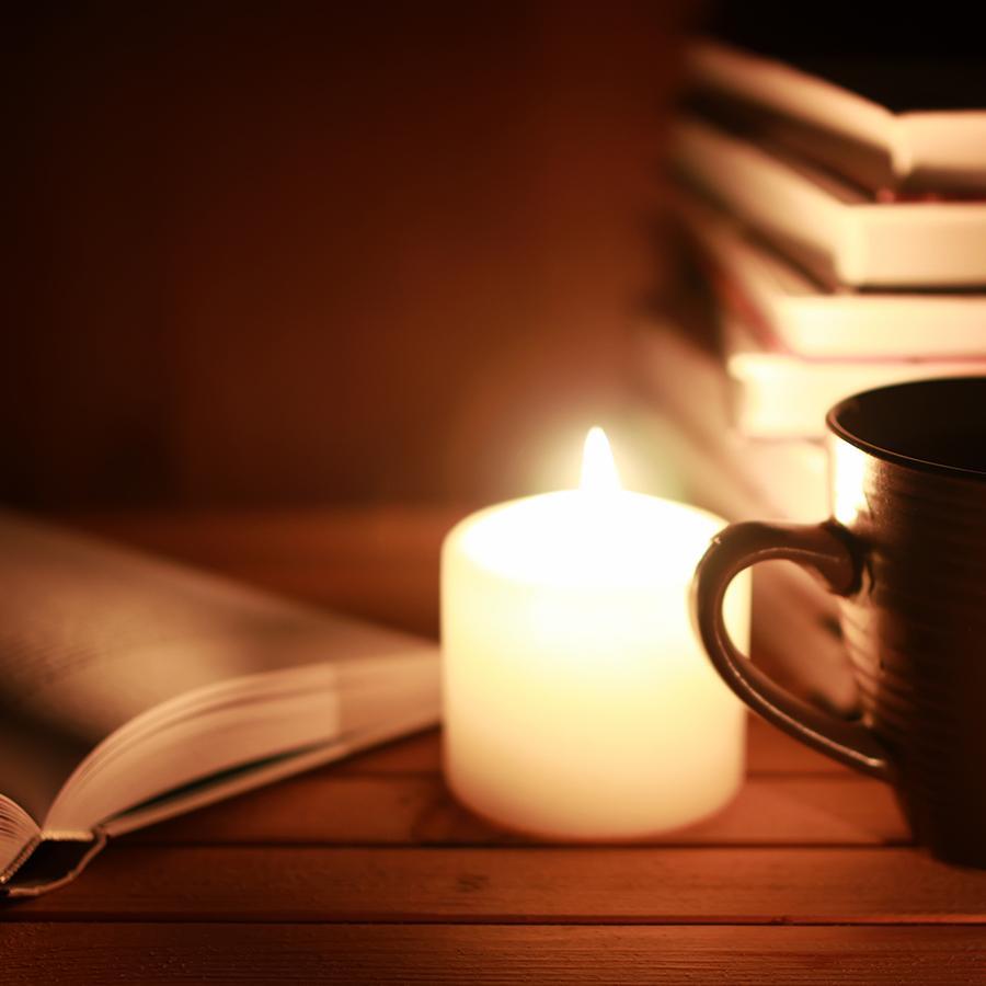 Læsning ved stearinlys
